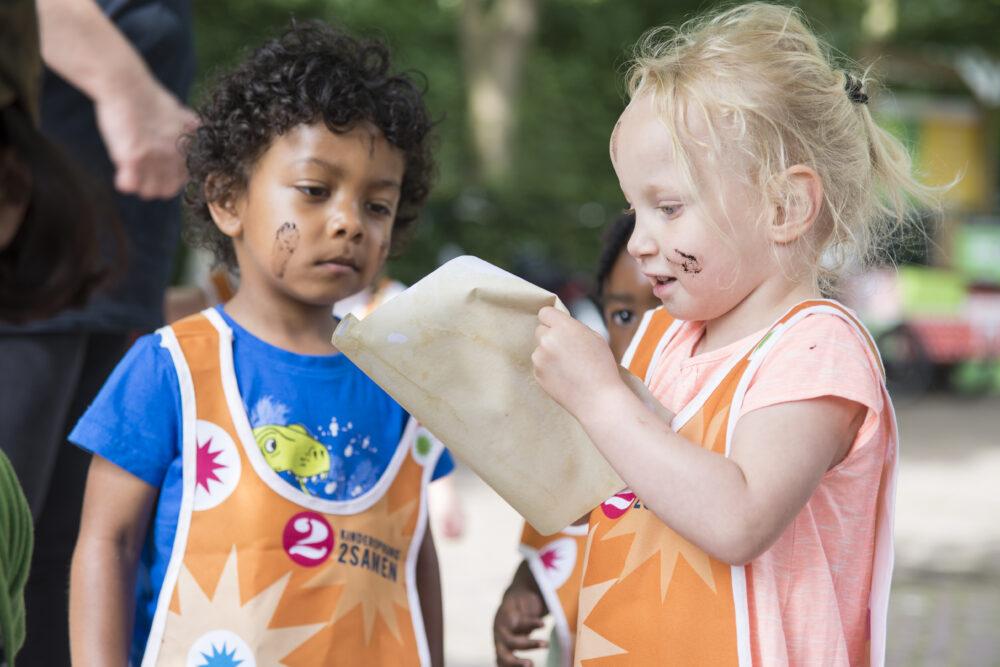 Spelen modderdag kinderopvang Den Haag